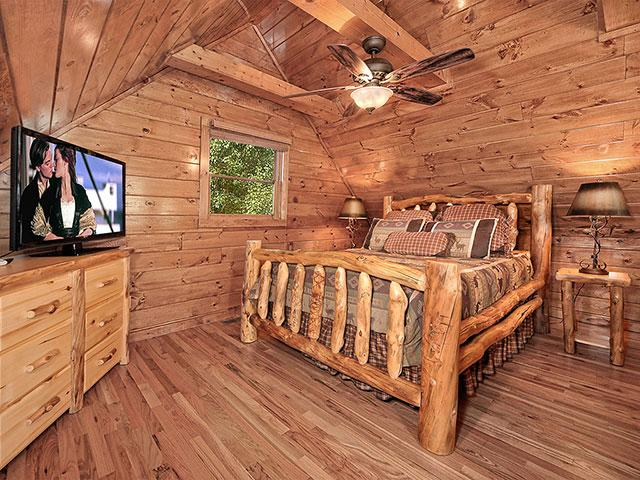 Bearly rustic country pines resort 2 br outrageous for Outrageous cabins country pines