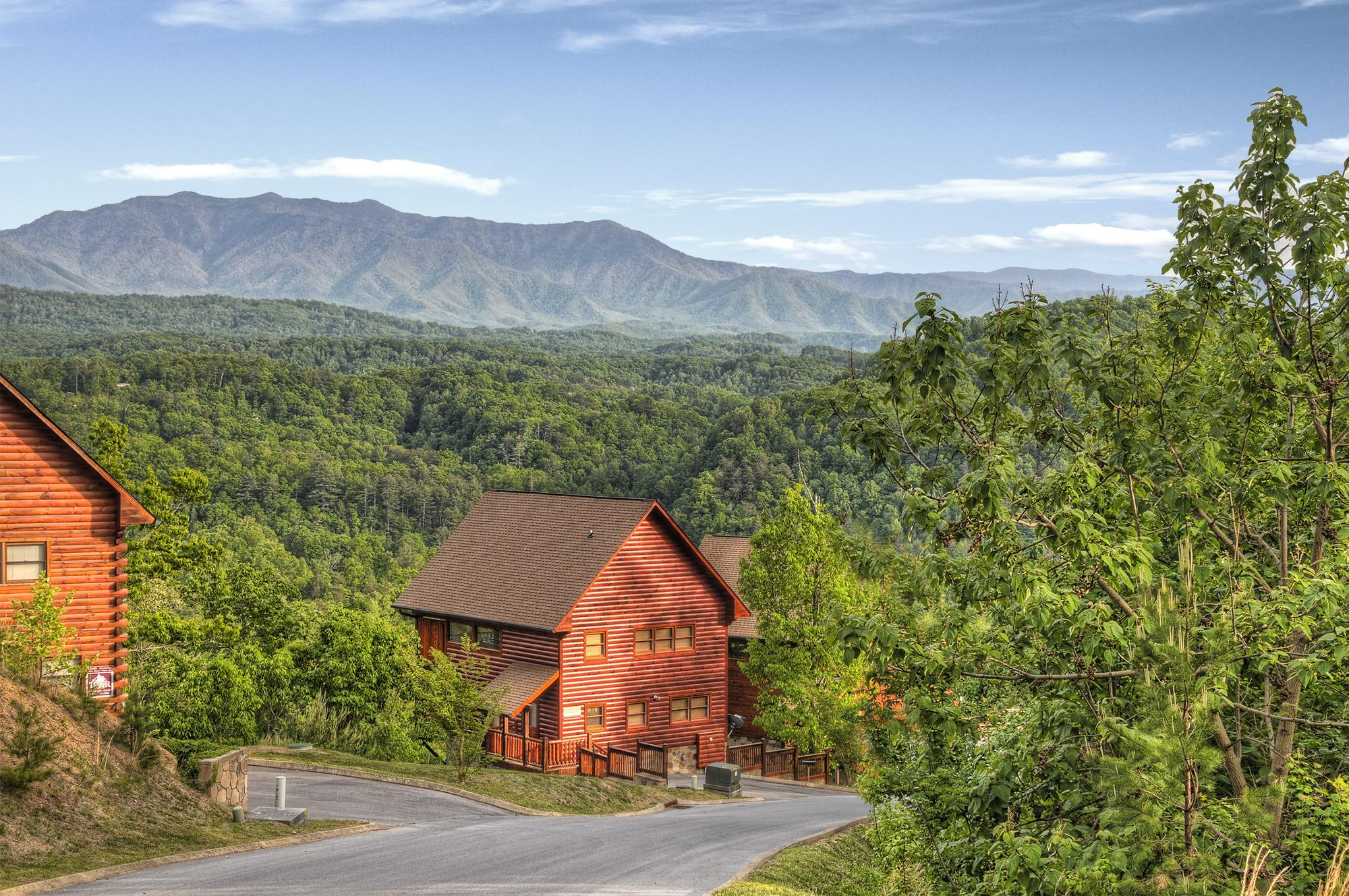 Woodland Hideaway 2 Br Outrageous Cabins Sevierville