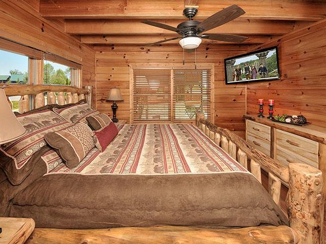 Love Nest 2 Br Outrageous Cabins Sevierville Tn