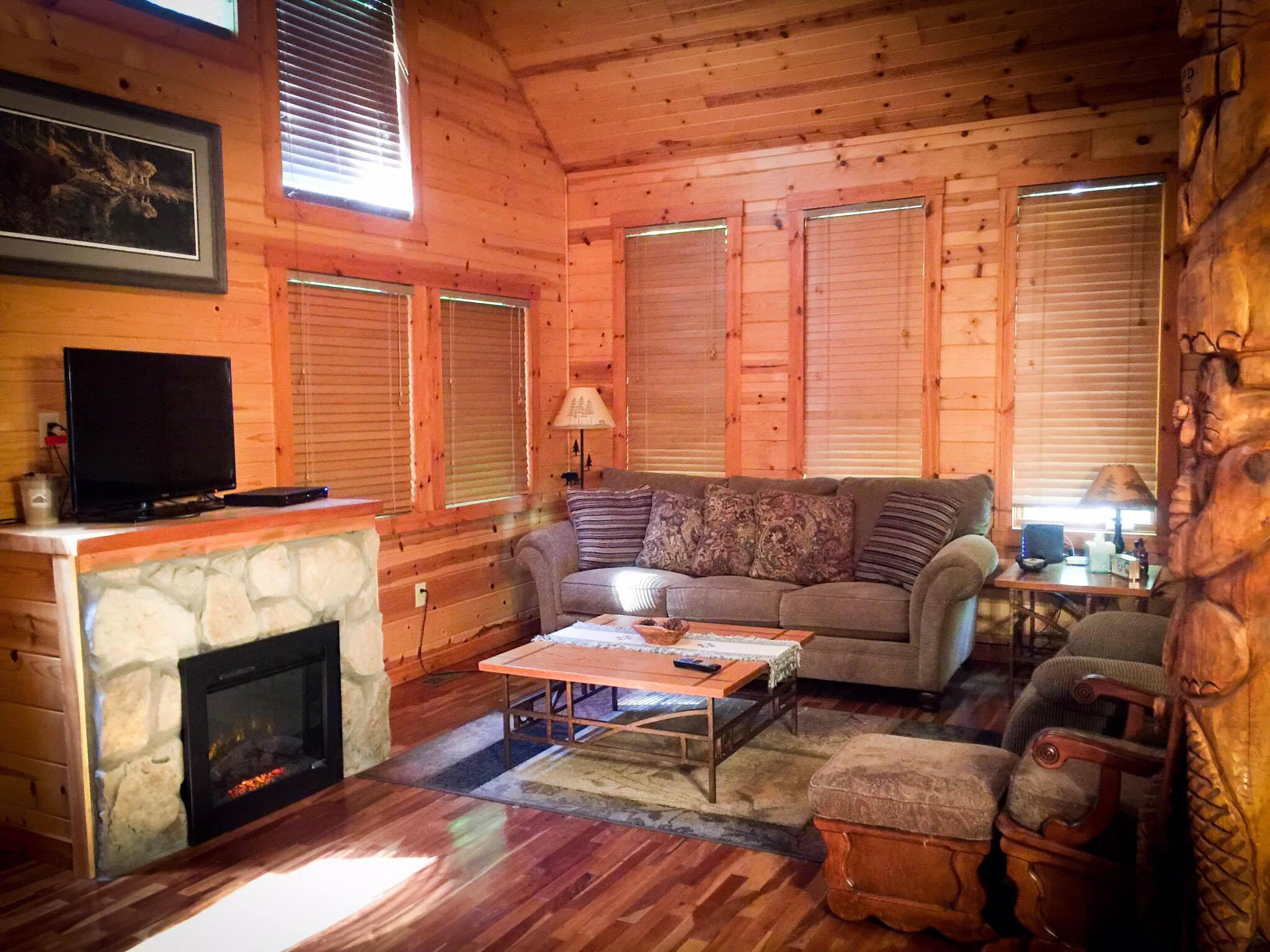 beary cozy natural bridge cabin rental