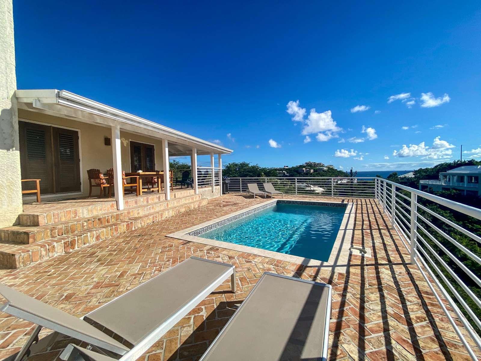 The spacious pool deck!