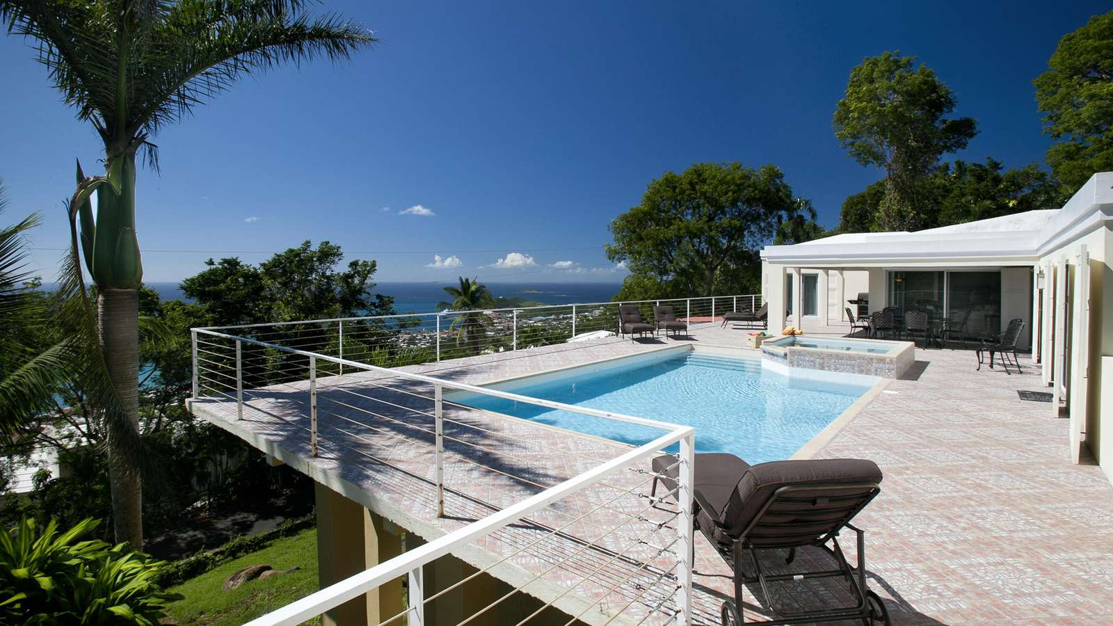 High View's pool deck, with no shortage of stunning views!