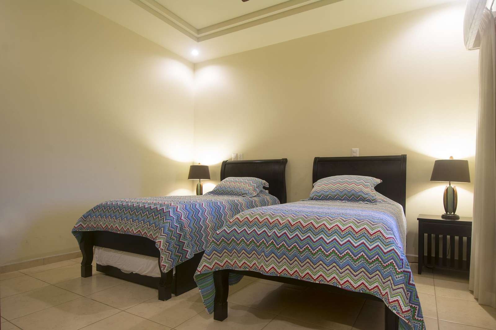 Guest bedroom, two twin beds and 1 trundle bed