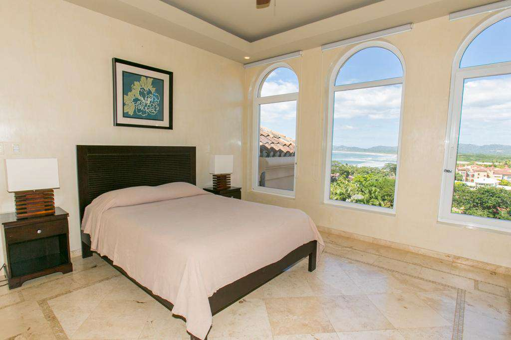 Upstairs guest master suite, (now king bed)