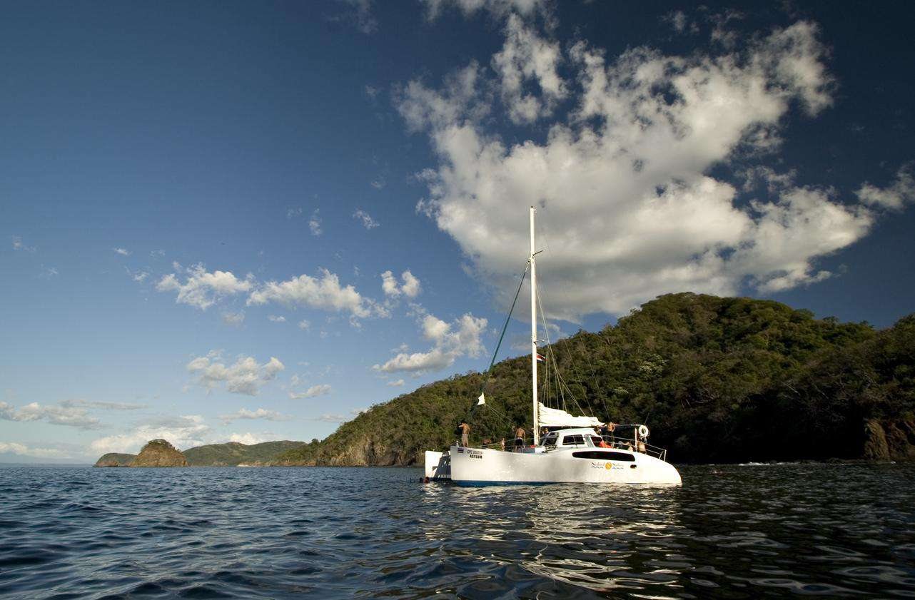 Catamaran cruises leaving Tamarindo daily