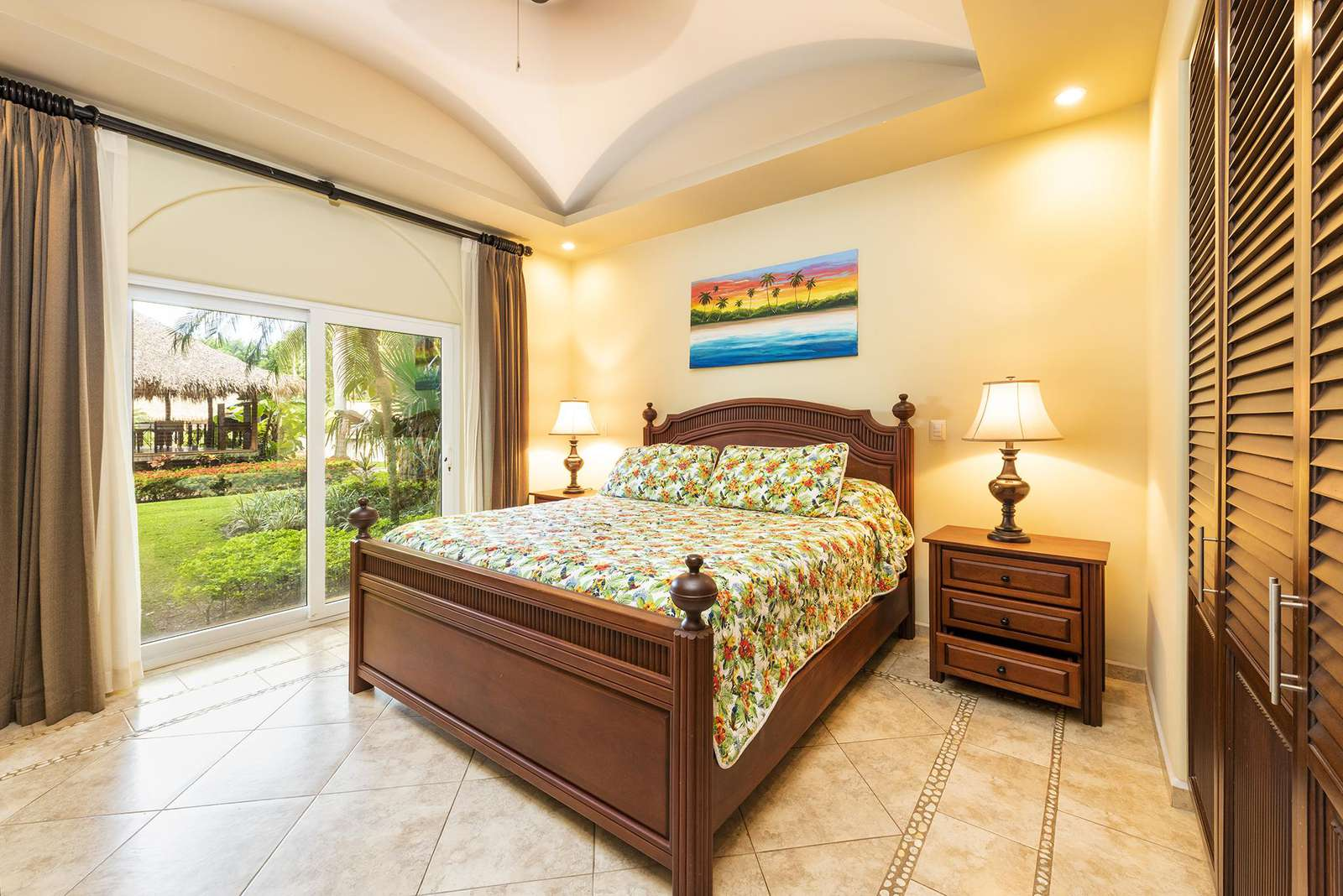Master Bedroom, King Bed, Full Private bathroom