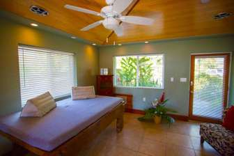 Bamboo Hale' living area thumb