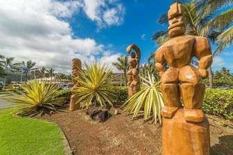 Carvings at Polynesian Cultural Center thumb