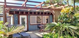 COCO BUNGALOW: private patio thumb