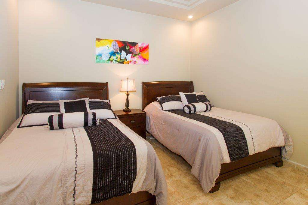 Guest bedroom, two double beds