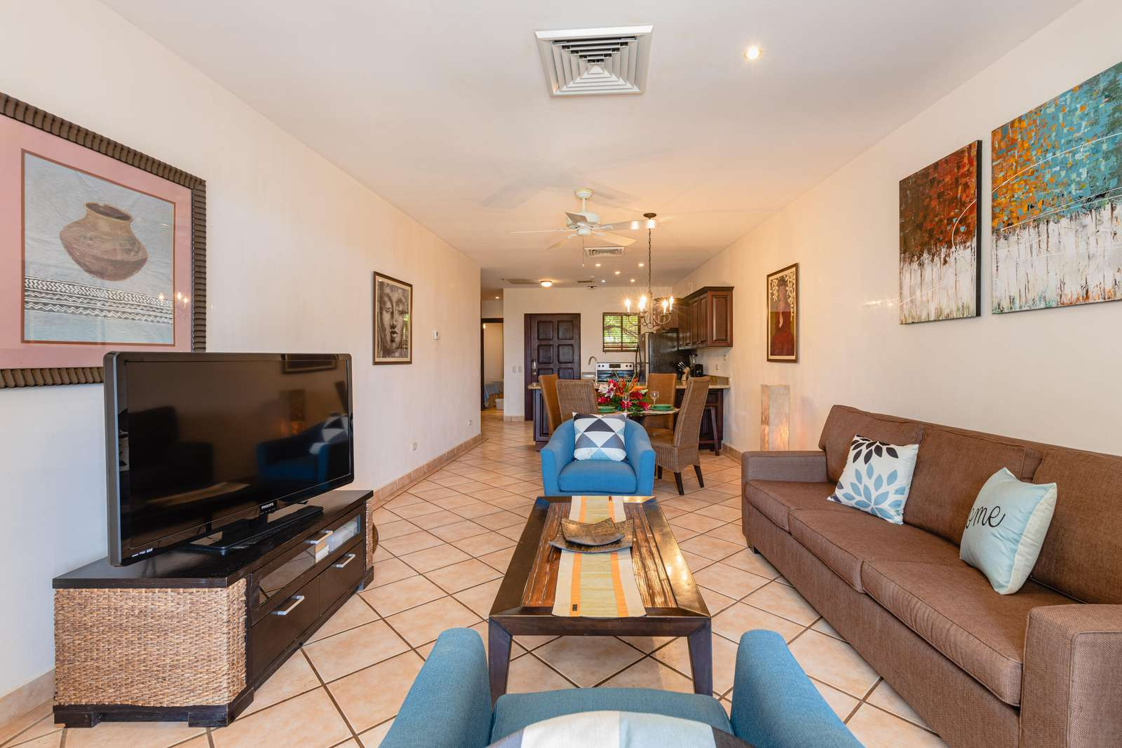 Living area, Flat screen TV, view towards kitchen and dining area