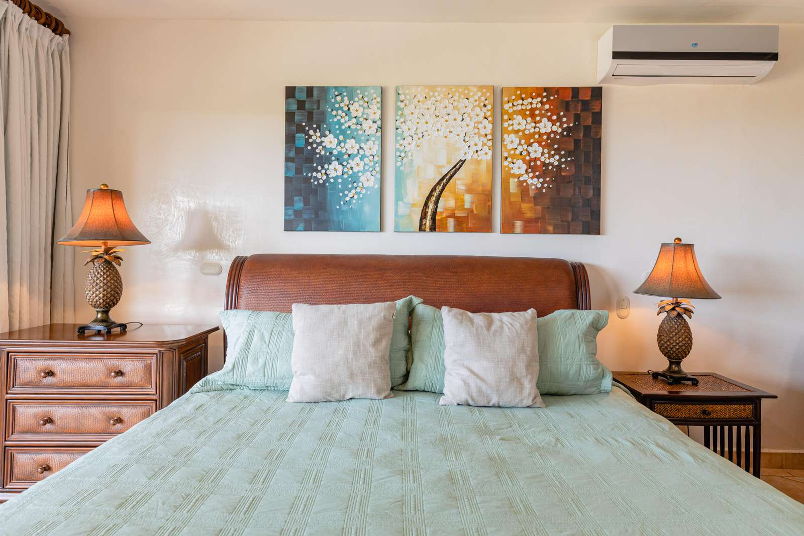 Master bedroom, king bed, access to ocean view balcony