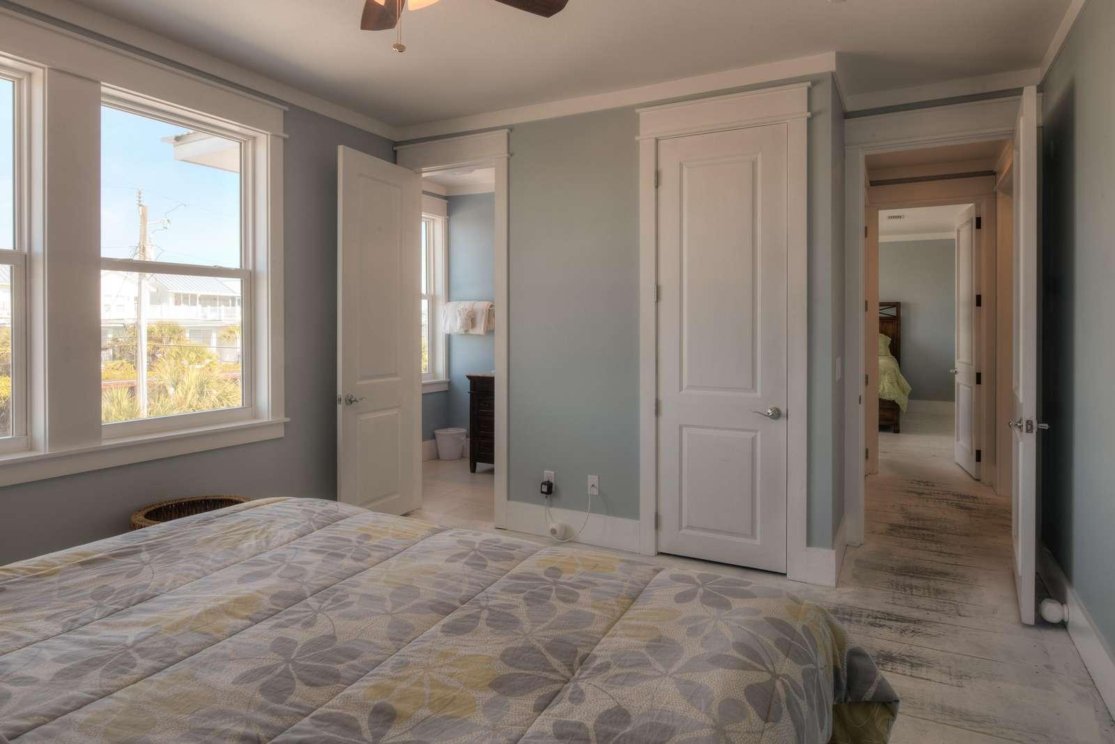 King Bedroom 6 - View 2