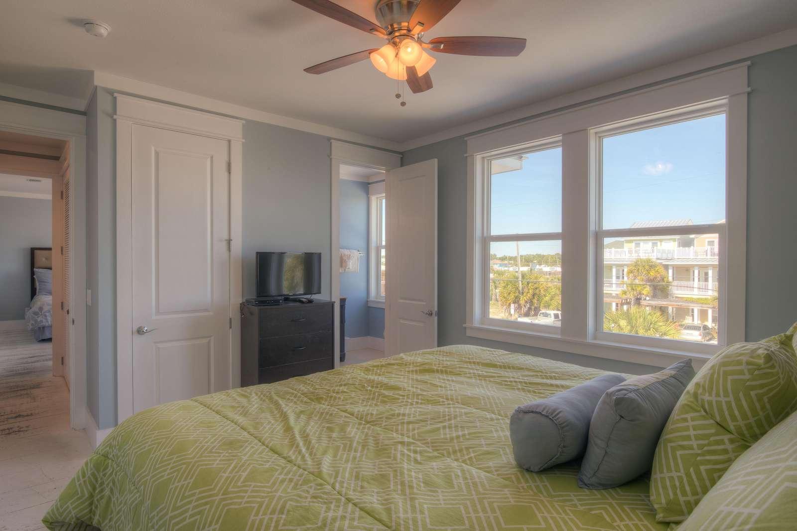 King Bedroom 5 - View 2