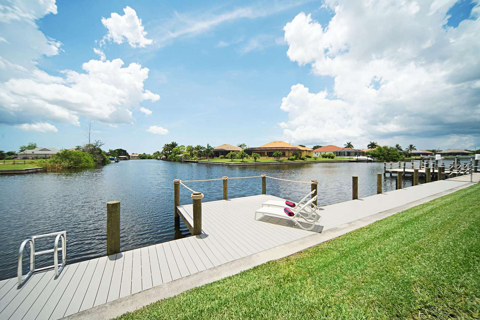 Wischis Florida Home - Vacation Rentals Cape Coral I Property Management I Real Estate