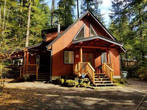 The 542 Cabin - Pet Friendly, Hot Tub, Firepit & WIFI