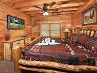 Main Bedroom thumb