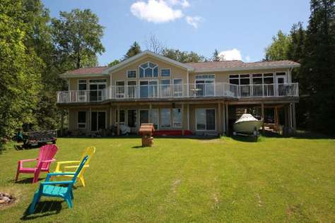 1015 Cedar Row Cottage