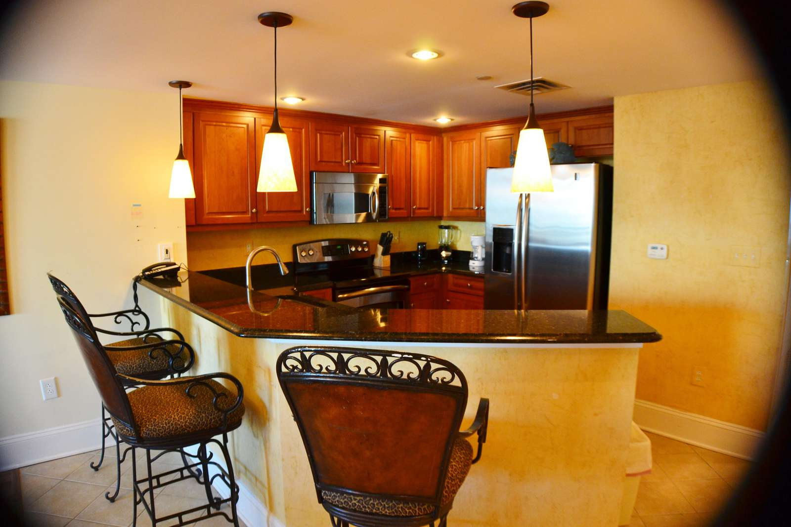 Breakfast bar with additional seating area