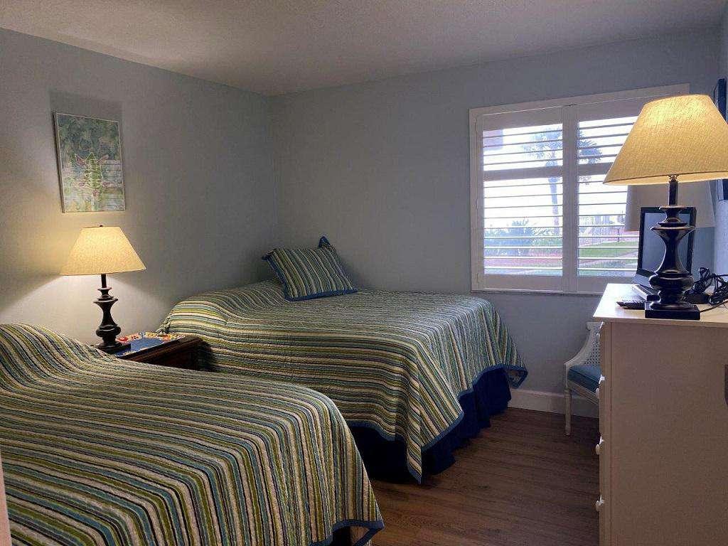 Guest Bedroom  2 Double Beds