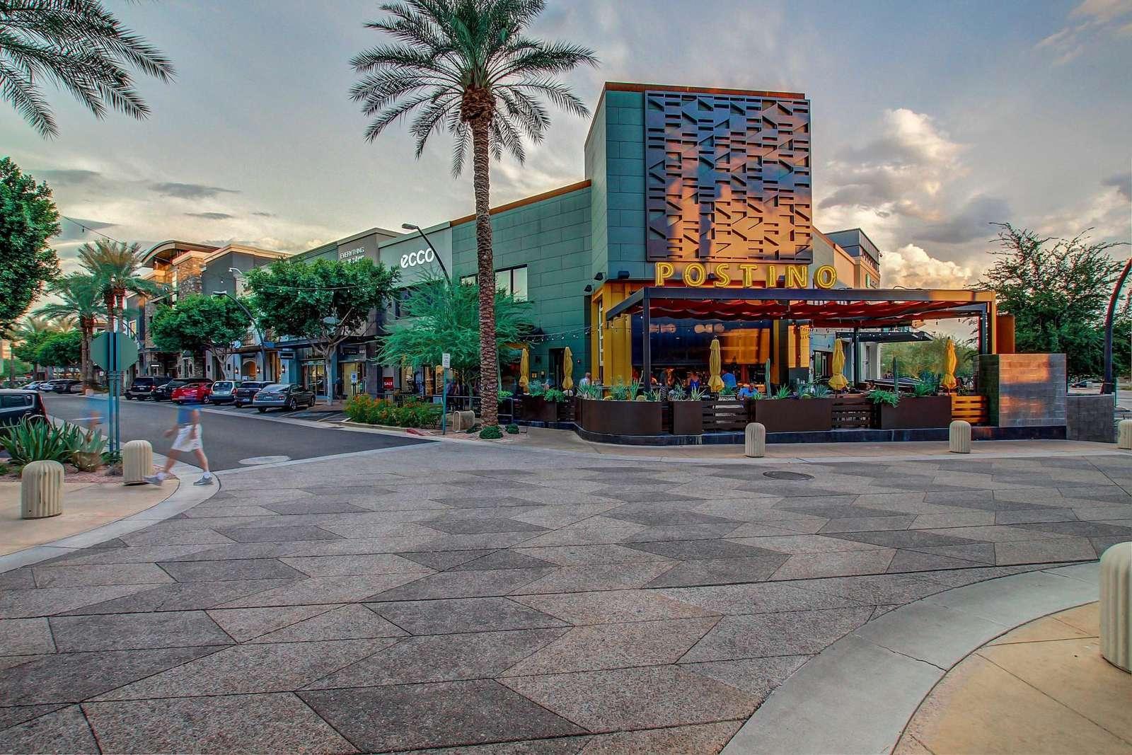 4 Block To Scottsdale's Best Shops & Dining Area, Kierland Commons - Scottsdale Quarter
