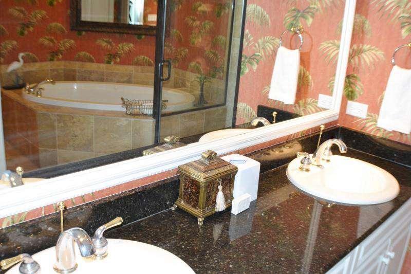 Master bath, double sinks, granite tops, whirlpool tub, stall shower