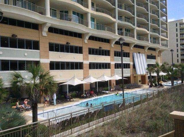 Mar Vista Grande, pool area