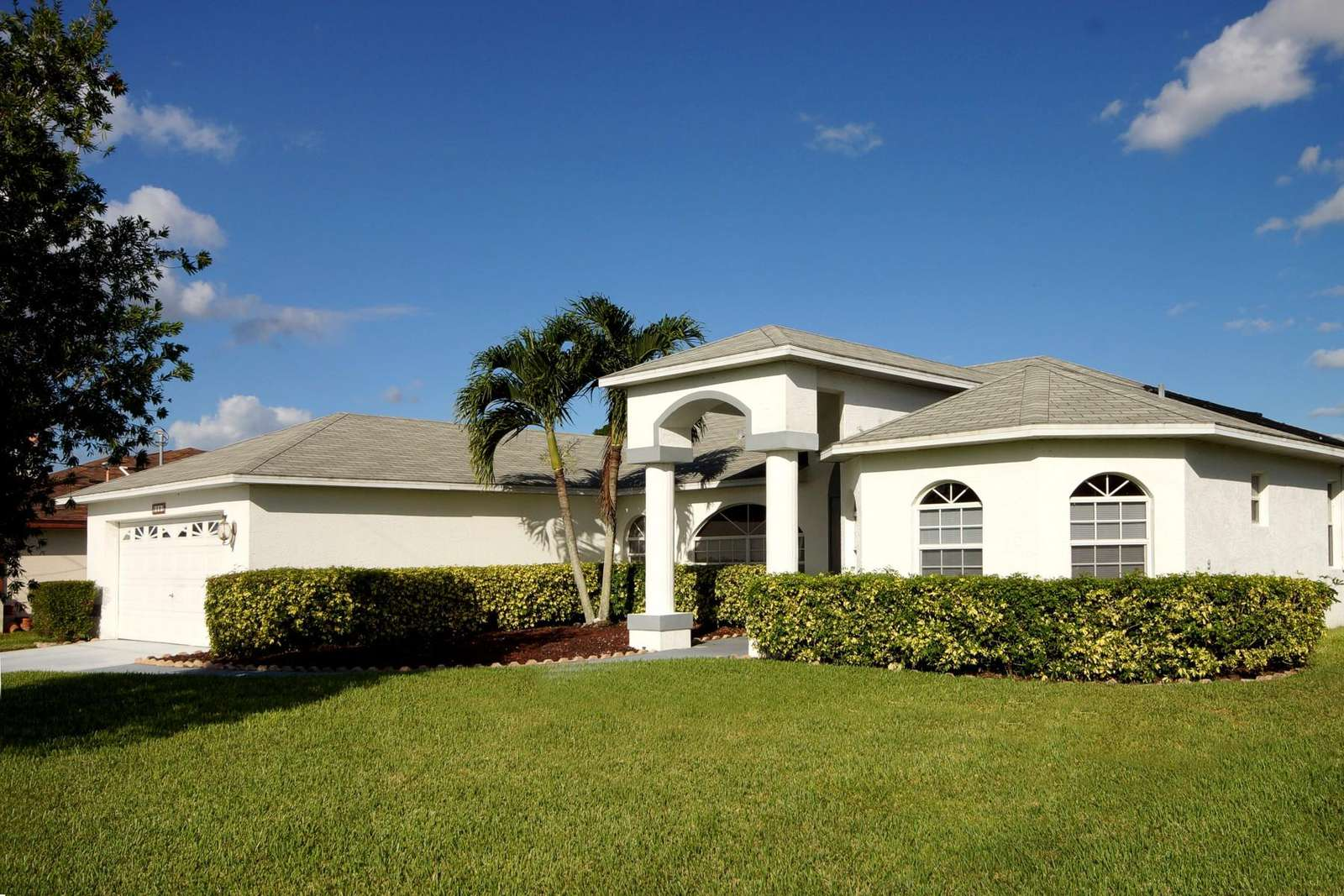 Wischis Florida Home - Vacation Homes Cape Coral - Property Management Cape Coral - Real Estate