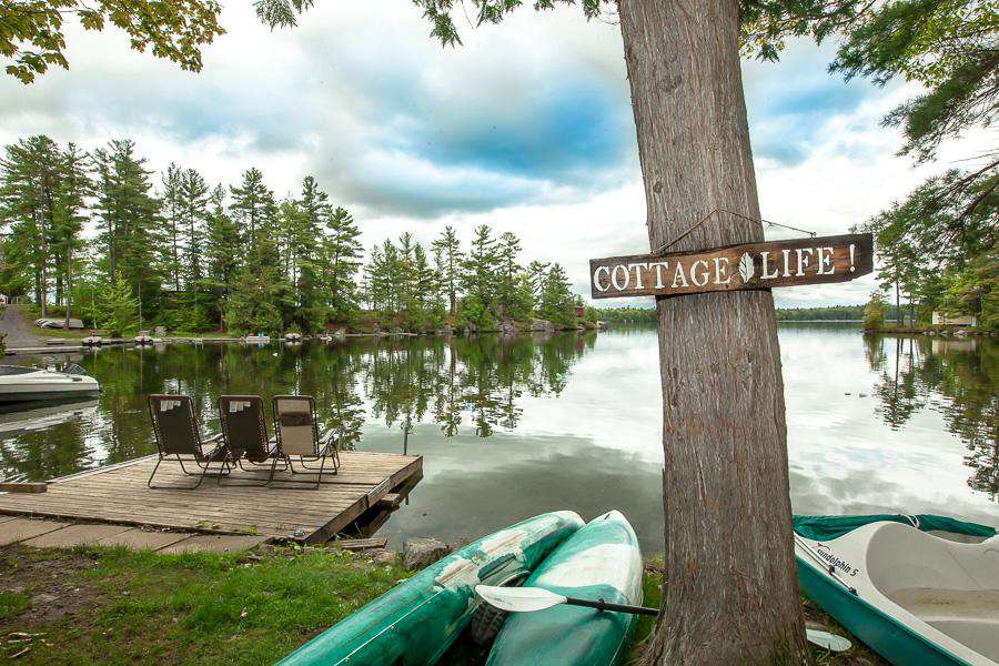 Enjoy this cottage life at a great location
