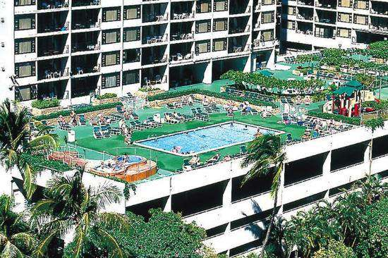 Waikiki Banyan has a large pool & activity deck