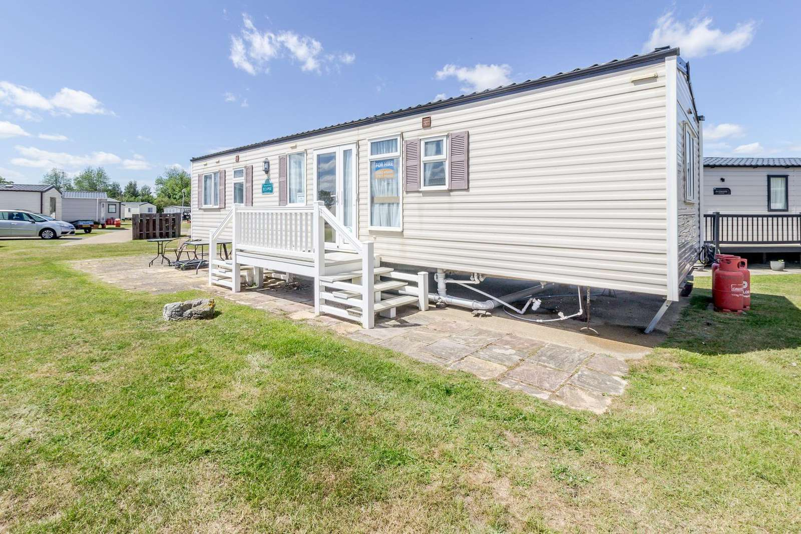 80015W – Waterways area, 3 bed, 8 berth caravan close to beach access. Ruby rated. - property