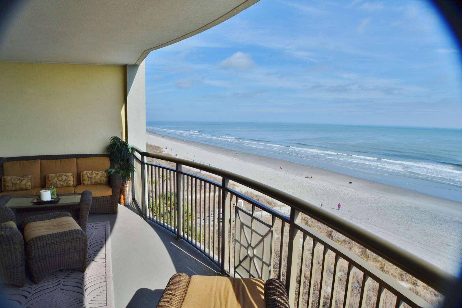 Oversize balcony with upgraded furnishings