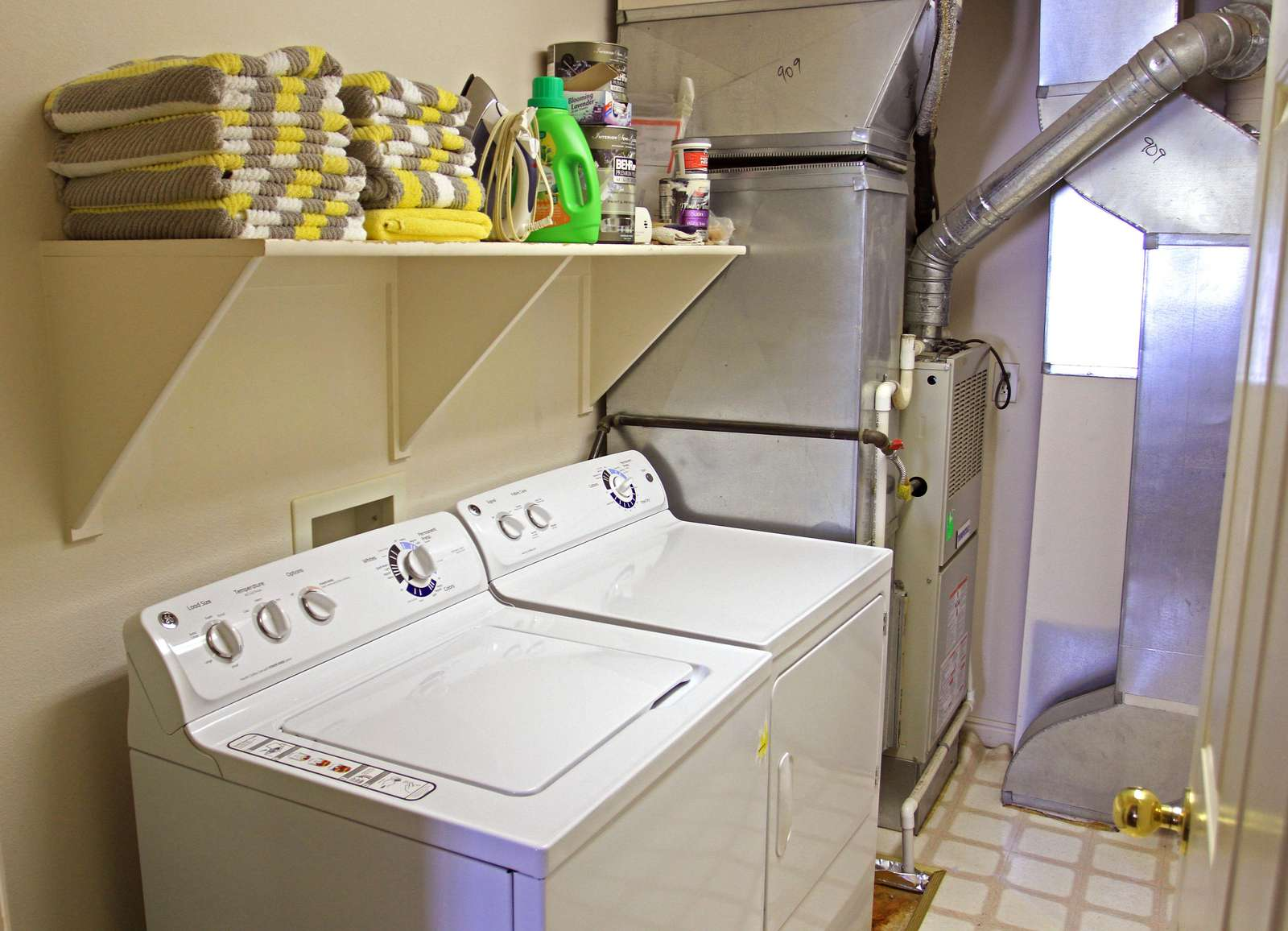 Fully Laundry Room & Pool Towels Provided