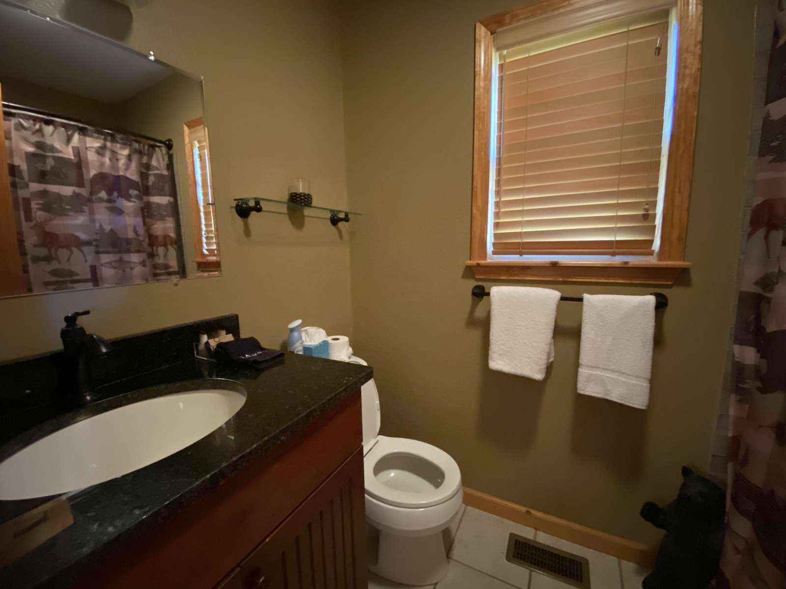 Full Bathroom in the Loft