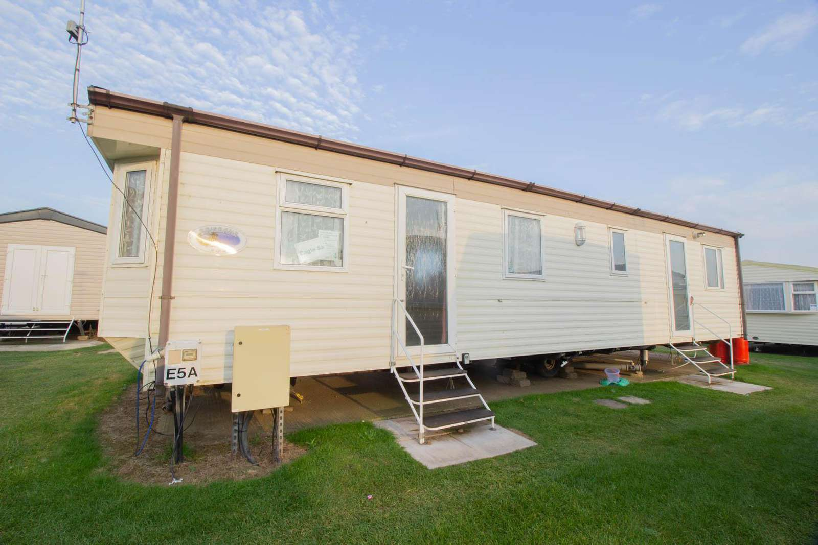 50005AE – Eagle area, 2 bed, 6 berth caravan with D/G and C/H. Ruby rated. - property