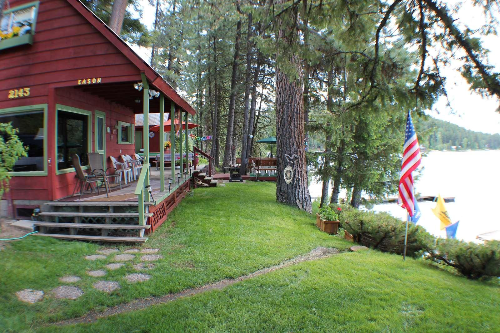 Lakeside Retreat - property