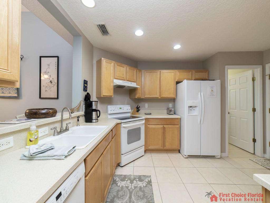 Magnolia Beach House - Kitchen
