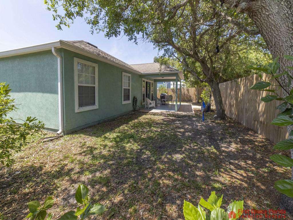 Magnolia Beach House - Large Backyard