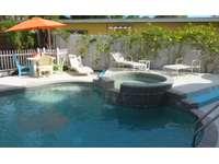 Heated pool & Spa thumb