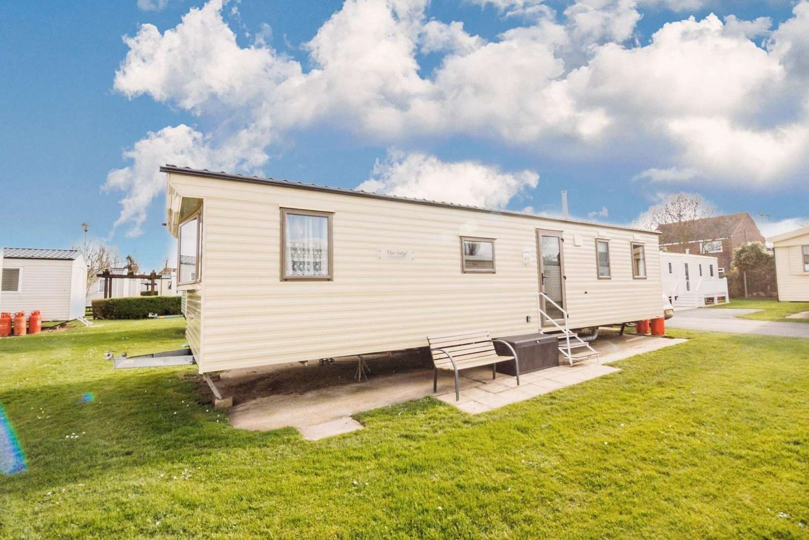 8 berth accommodation at Hopton Holiday Village.