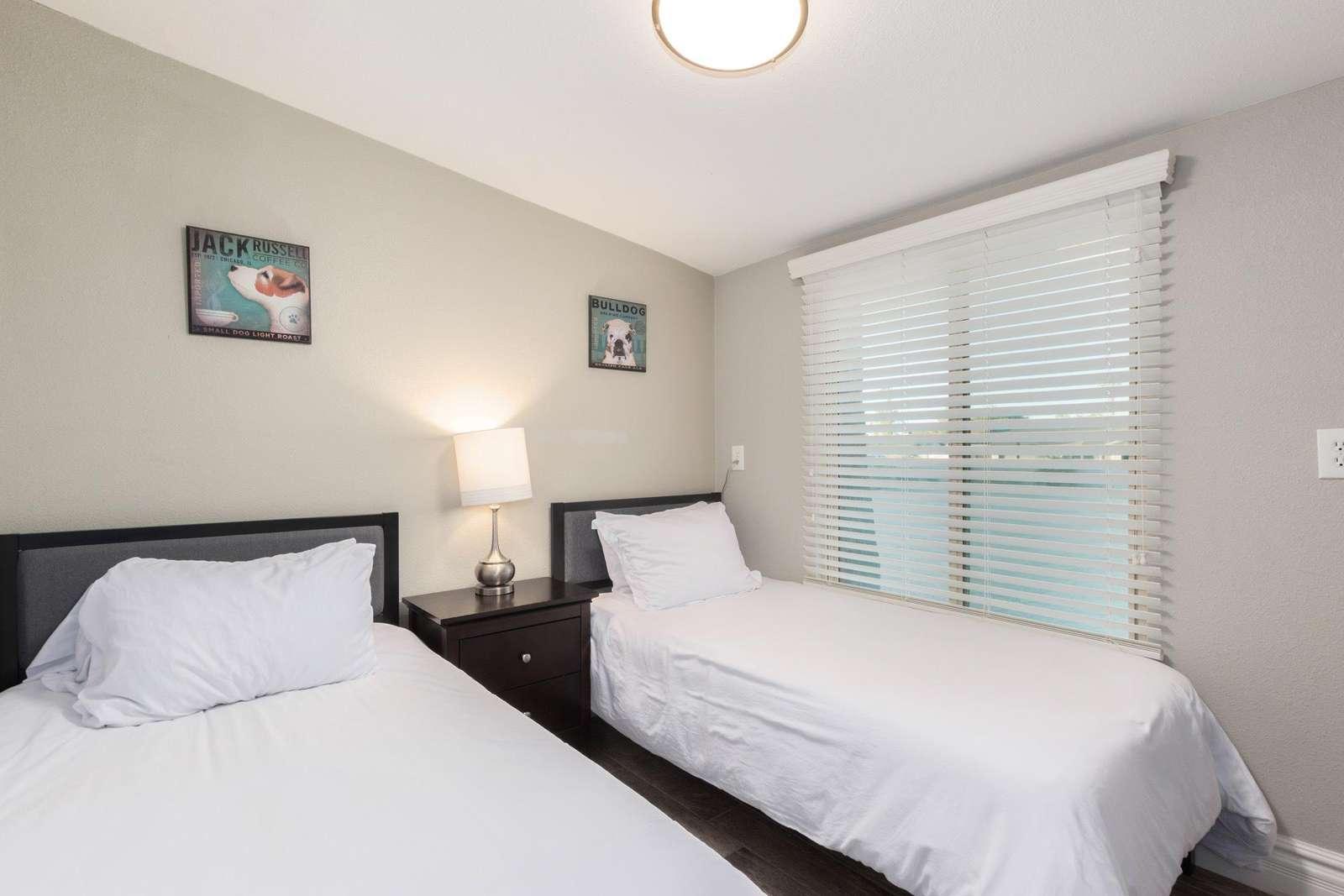 2nd Bedroom Has 2 Twin Beds-TV