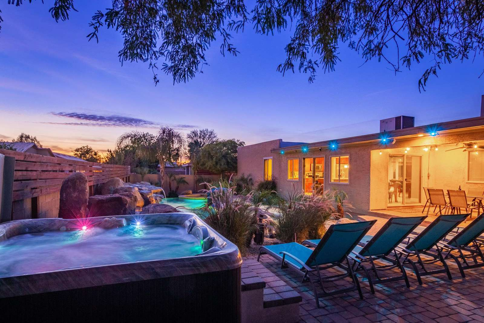 Incredible resort night lighting, full size hot tub.