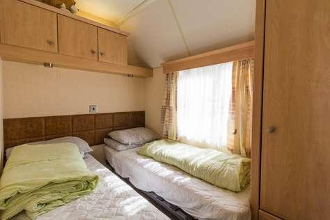 Beautiful caravan at Haven Hopton on Sea
