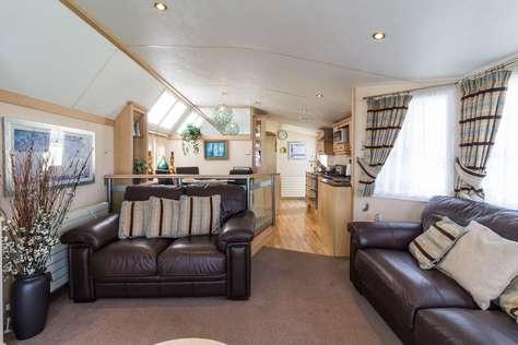 Prestigious caravan for hire at Haven Hopton