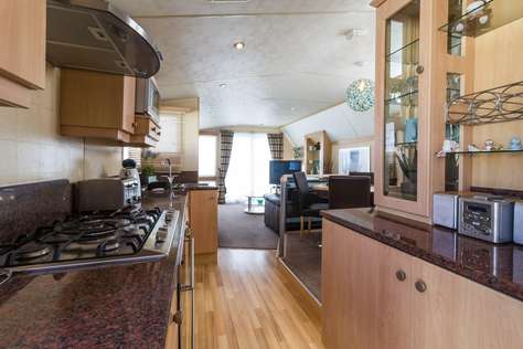 Stunning caravan at Haven Hopton near Great Yarmouth to hire for 2017