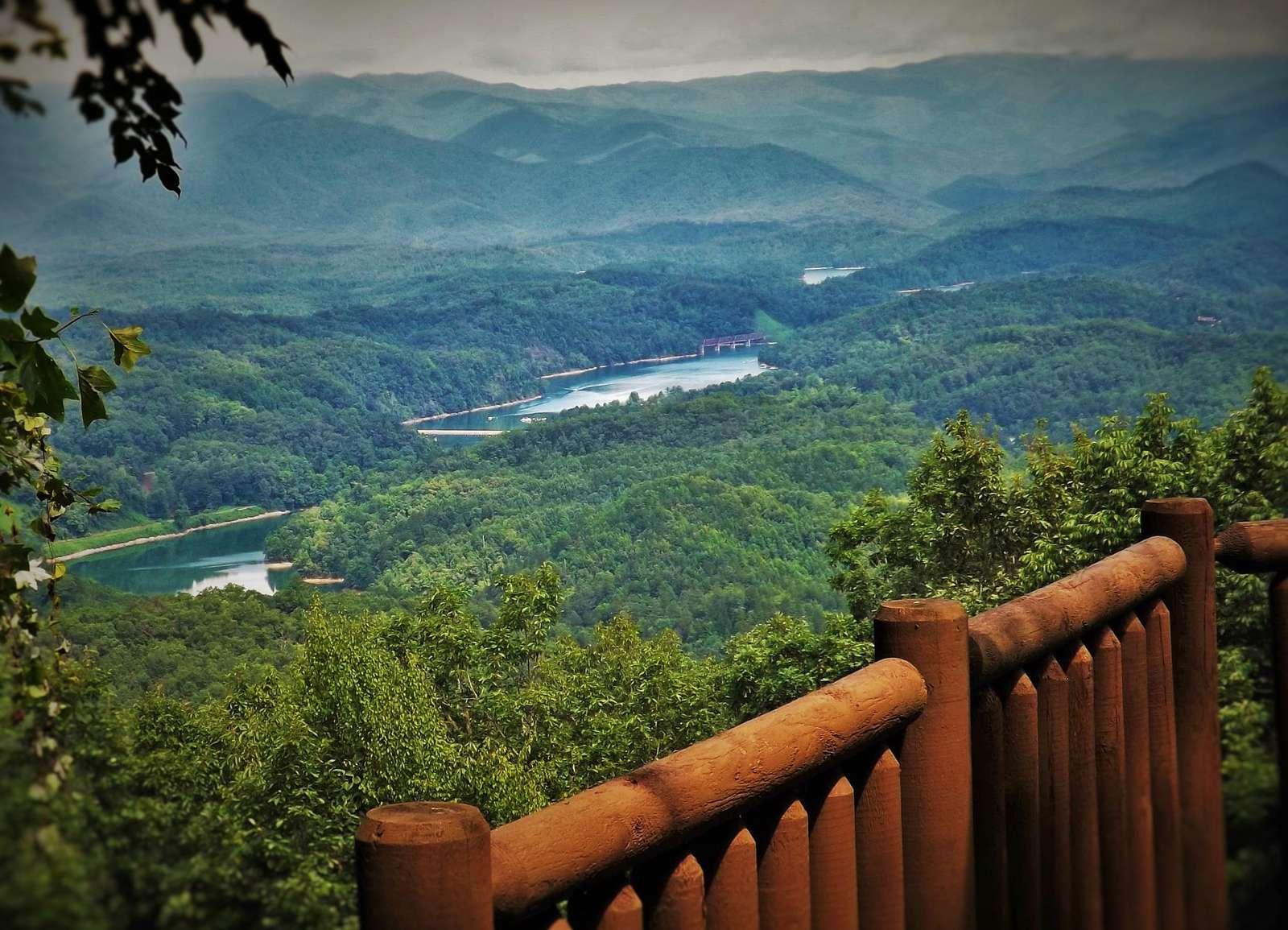 Breath taking Lake and Mountain Views - property