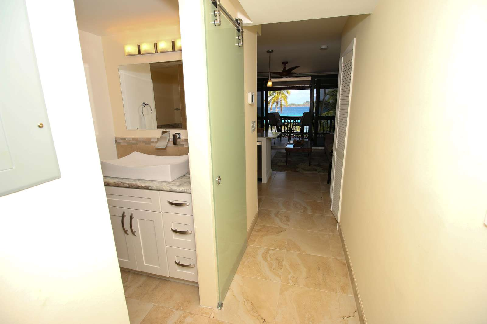 Entry way with full bath off the left