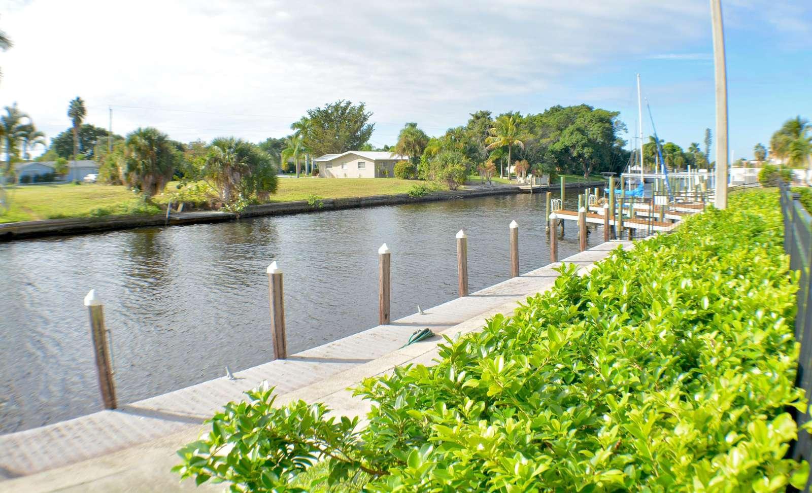 Community boat dock