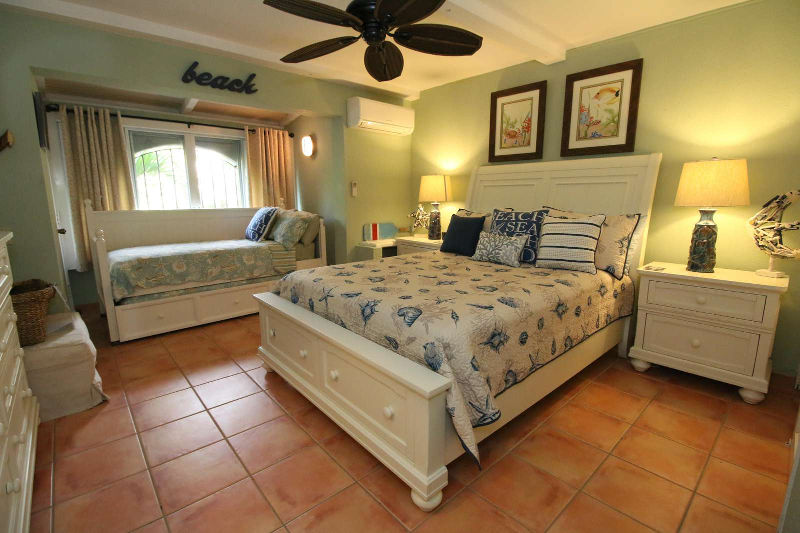 Bedroom with Queen and Twin Trundle