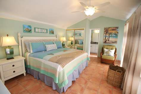 Master Bedroom Upstairs with King Bed
